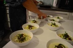 Vorspeise: Schwarzwurzel-Carbonare, Risone-Pasta, eingesalzene Zuchini